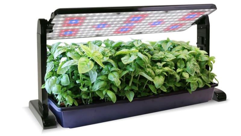 Интересная световая панель для освещения растений на 45 Ватт